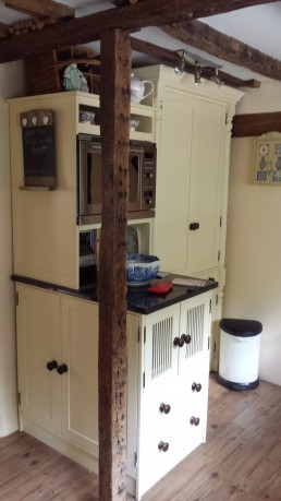 Large Kitchen Resprayed doors and drawers 2